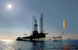 カスピ海の石油掘削装置