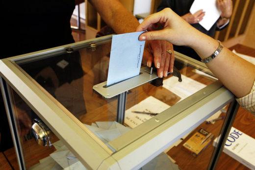 2007年のフランス大統領選挙での投票の様子